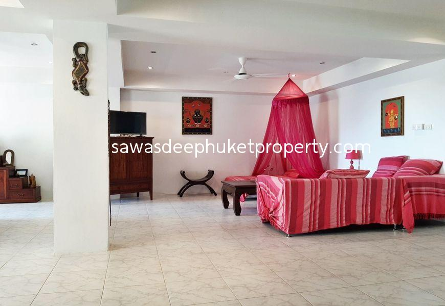 Seaview 2 Bedroom Condominium For Sale